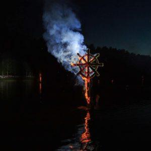 """Liepsnojanti skulptūra renginyje """"Mažosios dailidės legenda"""" 2019"""